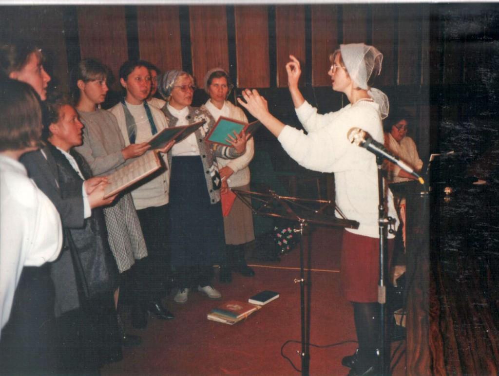 Объединенный хор 1-й и 2-й иркутских церквей участвует в богослужении на празднике жатвы в нашей церкви